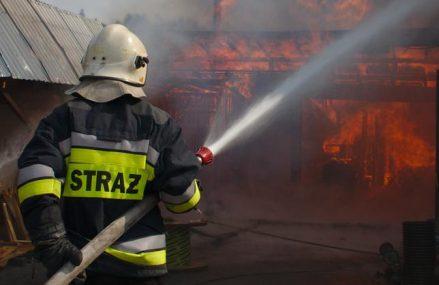 Młodzi strażacy